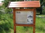 informační panel naučné stezky Po památných stromech obce Hořátev
